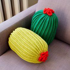 Bernat Crochet Cactus Pillow, Version 1