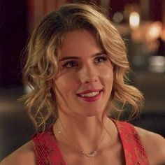 Emily Bett Rickards Returning for the Final Episode of Arrow! Felicity Smoke, Arrow Cw, Emily Bett Rickards, Stephen Amell, Attractive People, The Cw, Finals, Actresses, Actors