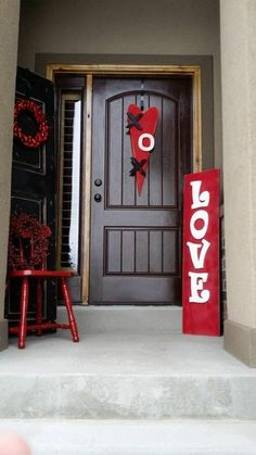 "http://tipsalud.com Several Valentine's Decor.  ""Welcome my love!"""