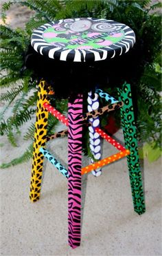 Cool idea for a presentation stool! I could see the kids loving a few of these!