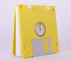 DIY Decoração: Reciclagem: Fita k7, VHS, CD, discos, teclados e disquetes velhos