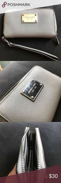 Michael Kors Grey iPhone 6 wristlet wallet Grey Michael kors wristlet fits iPhone 6 KORS Michael Kors Bags Wallets