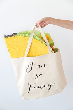 Piñata Workshop in Los Angeles for National Taco Day Mexican Pinata, Texas Independence Day, Taco Party, Im So Fancy, Diy Gifts, Balloons, Tacos, Workshop, Crafty