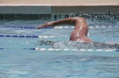 What Is a Healthy Diet for a Swimmer?