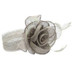Chapeau Mariage Gris Serre tête Figue #chapeaumariage #mariage #mode #bonplan #look sur Hatshowroom.com