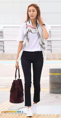 150811 Uee at Incheon Airport heading to Paris for her magazine photoshoot