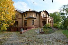 Kroniki Inowrocławskie: Piękno jesieni w Orłowie k.Inowrocławia..... Mansions, House Styles, Mansion Houses, Manor Houses, Villas, Fancy Houses, Mansion, Villa