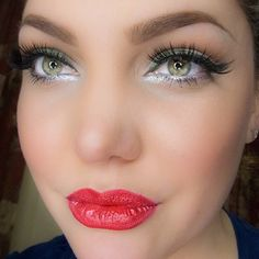 MIGHTY FINE Pro coverage for @Linzlewsions' PartyLook made with gifted @Tweezerman tools!