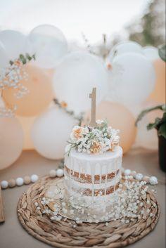 1st Birthday Girl Decorations, 1st Birthday Cake For Girls, One Year Birthday, First Birthday Party Themes, Wild One Birthday Party, First Birthday Cakes, Baby Birthday, Birthday Ideas, First Birthday Pictures