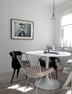 tabel-and-chair-love.jpg 650×849 pikseliä