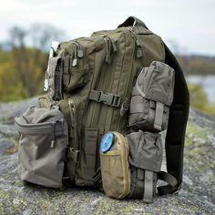 474 отметок «Нравится», 13 комментариев — Röda Stjärnan (@rodastjarnan) в Instagram: «En Bug Out Bag bör alltid anpassas efter den enskildes behov. Vi föredrar att kombinera en ryggsäck…»