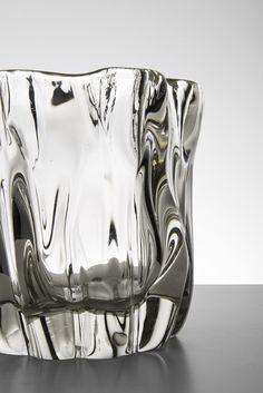 Tapio Wirkkala glass vase Kalvolan Kanto at Studio Schalling