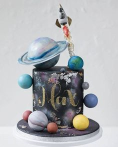 American Cake Decorating - Two the Moon party Themes, Ideas, Images Very Happy Birthday, Baby Birthday, Birthday Cake, Birthday Ideas, Solar System Cake, Birthday Celebration, Birthday Parties, Planet Cake, Galaxy Cake