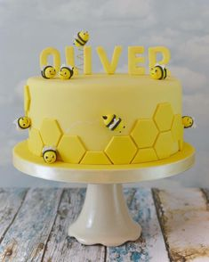 Could easily be a baby shower. Could easily be a baby shower cake too. Could easily be a baby shower cake too. Bee Birthday Cake, Bumble Bee Birthday, Baby Birthday, Birthday Ideas, Bee Cakes, Cupcake Cakes, Baby Shower Cakes, Bumble Bee Cake, Bee Party