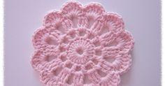 Edellisessä postauksessa lupasin tehdä   ohjeistuksen virkattuun kukkaan.    Tässä se nyt olisi:      Tässä vapaalla kädellä piirretty oh... Diy Crochet Doilies, Crochet Home, Crochet Gifts, Crochet Motif, Crochet Yarn, Crochet Flowers, Crochet Patterns, Crochet Teddy Bear Pattern, Crochet Fashion