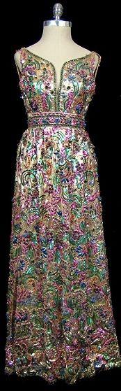 brodé métallisé, pailleté, et robe du soir perlées, c. 1964.