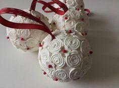 HomeDecor / Vianočné gule 8 (bielo-červené)