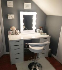 Lovely Makeup Rooms Decor Ideas And Remodel « Home Decoration Bedroom Makeup Vanity, Vanity Room, Makeup Room Decor, Vanity Decor, Vanity Ideas, Vanity Mirrors, Makeup Desk, Makeup Rooms, Diy Makeup