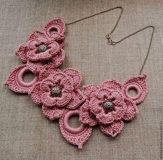 #crochetnecklace  Купить Вязаное колье Бабочка - розовый, пыльно-розовый, пыльная роза, пепельно-розовый