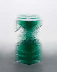 Au même titre que les vitriers, certains artistes manient le verre à merveille. C'est notamment le cas de Ben, un sculpteur des temps modernes, qui façonne de somptueuses oeuvres d'art avec du verre transparent. DGS vous présente ses plus belles réalisations en i...