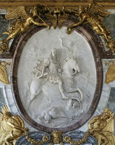 How did they mount it on the wall? Plaster medallion of Louis XIV as victorious Roman Antoine Coysevox. Visit Versailles, Chateau Versailles, Palace Of Versailles, Louis Xiv, Art Sculpture, Sculptures, Bourbon, Ludwig Xiv, Musee Carnavalet