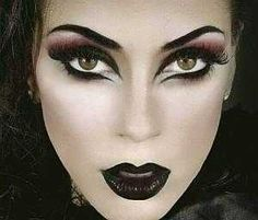 cool witch makeup for halloween . - cool witch makeup for halloween … cool witch makeup for halloween Gothic Makeup, Fantasy Makeup, Witch Eyes, Evil Witch, Dark Witch, Halloween Gesicht, Make Up Gesicht, Dramatic Eye Makeup, Beauty Junkie