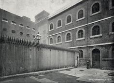 There are very few photos of Newgate prison on the net. The most commonly reproduced ones come from a late Victorian book, Queen's London, Anon, Cassell, But three of the most striking an Victorian Prison, Victorian Books, Victorian London, Vintage London, Old London, Victorian Street, Victorian Era, London History, Gallows
