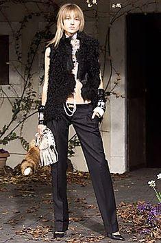 Dolce & Gabbana Fall 2001 Ready-to-Wear Collection Photos - Vogue