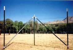 Wedge-Loc 205 Corner/Inline Brace Set For Steel Fence Posts Field Fence, Farm Fence, Fence Gate, T Post Fence, Mini Horse Barn, Horse Fencing, Future Farms, Barn Plans, Fence Design