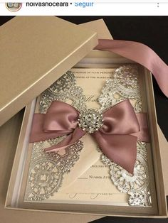 Excellent Picture of Wedding Invitations Wedding Invitations invitations with pictures Hot Wedding Invitation Trends You Need to Know -Relaxwoman Wedding Boxes, Gold Wedding, Wedding Cards, Wedding Reception, Dream Wedding, Wedding Day, Trendy Wedding, Wedding Venues, Ribbon Wedding