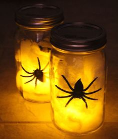 Don't let the spiders out of the jar!  Great Halloween decoration