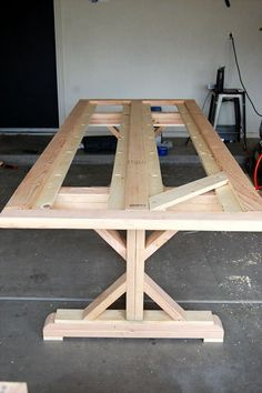 DIY Outdoor Dining Table   A Hint of Home Diy Furniture Plans, Diy Furniture Projects, Woodworking Projects Diy, Diy Wood Projects, Rustic Furniture, Build A Farmhouse Table, Farmhouse Kitchen Tables, Diy Dining Room Table, Diy Table