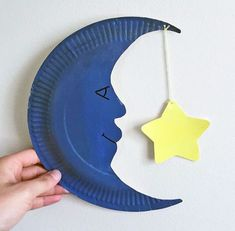 20 DIY paper crafts ideas - DIY Stuffs Love to do paper crafting? They're cut, folded, pasted, or printed, These paper crafts are easy to make and full of fun! Here are 20 DIY paper crafts ideas guaranteed to inspire. Space Crafts For Kids, Paper Plate Crafts For Kids, Kids Crafts, Art For Kids, Diy Paper Crafts, Kid Art, Paper Crafting, Handmade Crafts, Paper Plate Art