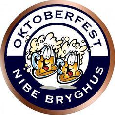 """Oktoberfest er en undergæret øl af typen Märzen. Der er som altid kælet for detaljerne, og øllet er brygget med de to bøhmiske humletyper Saaz og Styrian Golding, som giver en let krydret orangesmag. Der er tale om en middelbitter øl med en frisk, """"sprød"""" smag og en smuk orangegylden farve. En øl, der bør nydes kold og i store glas. Märzen er en lagerøl og nok den mest populære øl til den traditionelle Oktoberfest i München. Den første Oktoberfest blev afholdt allerede i 1810 for at fejre…"""