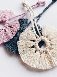 Macrame Mirror, Macrame Wall Hanging Diy, Macrame Art, Mehndi Art Designs, Sewing Crafts, Diy Crafts, Macrame Patterns, Lana, Christmas Crafts