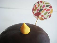 round cupcake flags/toppers www.thechubbybunny.ca