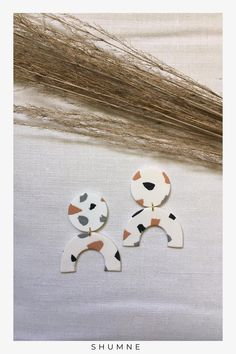 Handmade Arch Polymer Clay Stud Earrings / White with Abstract Pattern Unique Earrings, Earrings Handmade, Unique Jewelry, Stud Earrings, Etsy Handmade, Handmade Art, Woman Fashion, Fashion Models, Support Local