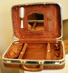 Vintage luggage ... CARSON TRAVELITE traincase SUITCASE Retro-road ...