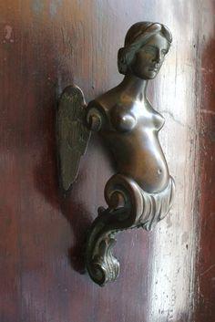 """Door knocker in Venice. Is that why they are called """"knockers"""" in slang? Cause someone put boobs on a door knocker? Antique Door Knockers, Door Knobs And Knockers, Knobs And Handles, Door Handles, Door Detail, Door Accessories, Unique Doors, Door Furniture, Windows And Doors"""