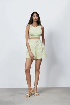 GINGHAM CHECK BERMUDA SHORTS | ZARA United Kingdom Gingham Shorts, Gingham Check, Zara United States, Ideias Fashion, Bermuda Shorts, Two Piece Skirt Set, Rompers, Skirts, Gingham