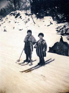 Japanese Children Skiing 1930s Japan