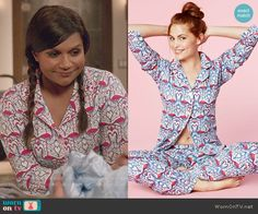 Mindy's flamingo print pajamas on The Mindy Project.  Outfit Details: http://wornontv.net/52194/ #TheMindyProject