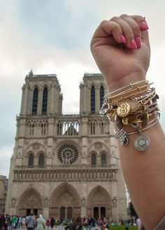 Client Photo-Op! :) #CharmedArms in #Paris #France
