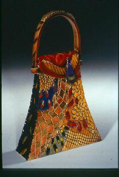 Gail Markiewicz Participating Artist Berkshires Arts Festival – Famous Last Words Vintage Purses, Vintage Bags, Vintage Handbags, Unique Handbags, Purses And Handbags, Art Blue, Novelty Bags, Beaded Bags, Art Installation
