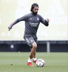 Isco Alarcon, Real Madrid Players, Sporty, Football, Running, Athletes, Europe, Student, Website