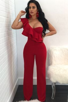 Woman Overalls Sexy Night Club Ruffles One Shoulder Falbala Design Par – Bossed up Chic Long Jumpsuits, Jumpsuits For Women, Playsuits, Jumpsuit Elegante, Chic Outfits, Fashion Outfits, Cheap Fashion, Fashion Pants, 90s Fashion