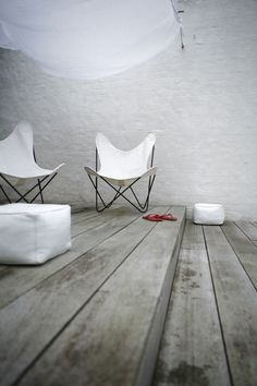 via Méchant Design: white sunday  relax in white