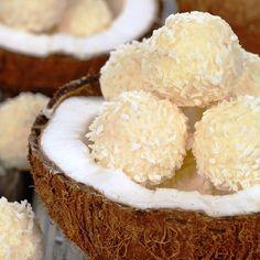 Condensed Milk Coconut Balls - so crunchy, love coconut!
