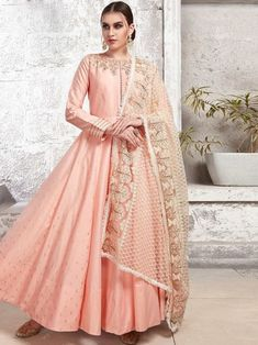 Enticing baby pink satin gown online which is crafted from satin fabric with exclusive hand work also comes with cotton crepe bottom, maslin cotton dupatta. Readymade Salwar Kameez, Latest Salwar Kameez, Kurti, Cotton Anarkali, Anarkali Dress, Anarkali Suits, Sharara Suit, Designer Anarkali, Designer Gowns