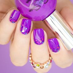 Purple glitter gradient manicure by @sonailicious for #FaceMyDay: http://sonailicious.com/mani-monday-facemyday-purple-nails/